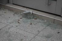 ENGELLİ KIZ - Ev Tüpü Bomba Gibi Patladı Açıklaması 1 Yaralı