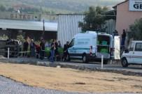 ADALA - Salihli'de Trafik Kazası Açıklaması 2 Ölü, 2 Yaralı