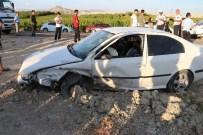 İSMAIL KURT - Mut'ta 3 Aracın Karıştığı Zincirleme Kazada 4 Kişi Yaralandı