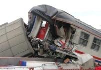 Elazığ'da Yük Treni İle Yolcu Treni Çarpıştı Açıklaması 1 Yaralı