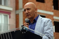 KADİR GÖKMEN ÖĞÜT - Başkan Öz, Kartallılara Tapularını Teslim Etti
