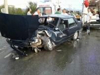 KOZCAĞıZ - Otomobil İşçi Servisine Çarptı Açıklaması 4 Yaralı