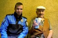 Dikkatli Polis Memuru Emekli Vatandaşı Dolandırılmaktan Kurtardı
