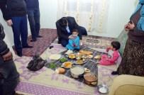 APARTMAN YÖNETİCİSİ - Suriyeli Aile Yeni Yılı, Yeni Evlerinde Karşıladı