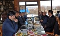 MEHMET GÜL - Kaymakam Ve Belediye Başkanı Gazetecilerle Yemekte Buluştu