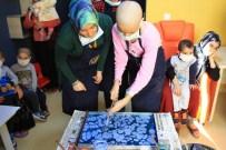 EBRU SANATı - Anadolu El Sanatları Topluluğu Kanser Hastası Minikleri Sevindirdi