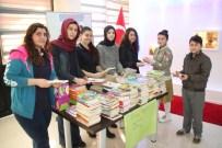 KURTLAR KÖYÜ - Fen Lisesi Öğrencileri 2 Köy Yumurtasına Bir Kitap Hediye Etti