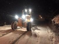 KAR UYARISI - Akyazı Belediyesi Kar İçin Hazır