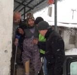 EKREM YAVAŞ - Karda Diyaliz Hastalarına Belediye Yardımı