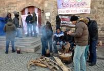 YALAN BEYAN - Eskişehir'de Oturma Eylemi 2'Nci Gününde