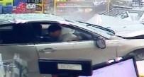 SIDNEY - Markete Dalan Otomobil Kadını Teğet Geçti