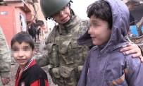 KADIN ASTSUBAY - 'TSK'nın Kadın Gücü'nden, Terör Mağduru Miniklere Şefkat Eli