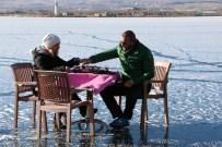 MANGAL KEYFİ - Donan Gölün Üstünde Kahvaltı Keyfi