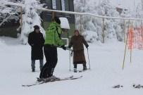 Kayak Merkezi'nin En Renkli Çifti