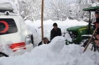 KOAH - Paletli Kar Ambulansını Köylüler Kurtardı
