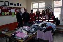AHMET CAN PINAR - Kızılay'dan Öğrencilere Giysi Ve Kırtasiye Yardımı