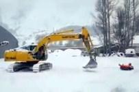 MACERAPEREST - Böyle Olur Gümüşhaneli'nin Kar Eğlencesi