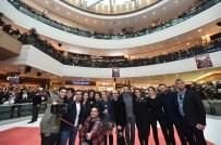 ÖZLEM TOKASLAN - 'Dedemin Fişi' İzmir'i Güldür Güldür Salladı