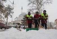 Elazığ'da Kar Nedeniyle 503 Köy Yolu Ulaşıma Kapandı