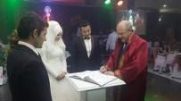 YABANCI KADIN - Altıeylül'de Yazı İşleri Bin 21 Nikah Yaptı
