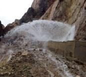 KAYABAĞLAR - Hizan-Kezer İçme Suyu İshale Hattında Arıza