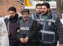 2 Kişiyi Öldürdü, Eşkal Değiştirirken Berberde Yakalandı