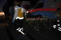Otomobil Tır'ın Altına Girdi Açıklaması 1 Ölü, 1 Yaralı