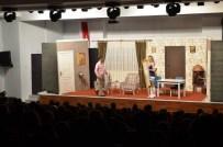 BEKİR AKSOY - Demirci'de Tiyatroya Yoğun İlgi