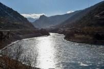 HARŞİT ÇAYI - Gümüşhane'de Aşırı Soğuklar Barajları Dondurdu