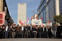 KLASİK ARABA - Mersin'de Binlerce Kişi 'Zafer Yürüyüşü'ne Katıldı