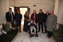 Başkan Üzülmez'den Engelli Vatandaşa Tekerlekli Sandalye
