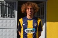 KIRIKHANSPOR - Kırıkhanspor 2 Futbolcuyu Renklerine Bağladı