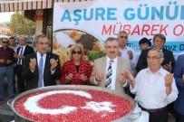 HALIL MEMIŞ - Büyükşehir Karaköy'de Binlerce Kişiye Aşure Dağıttı
