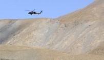 BORDO BERELİLER - Çukurca'da Operasyonlar Sürüyor