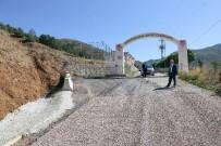 KIŞ MEVSİMİ - Gümüşhanespor Tesislerinin Yolu Asfaltlandı