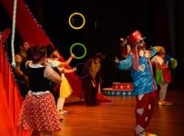 KUTLAY - 'Harikalar Sirki' Perdelerini Açtı