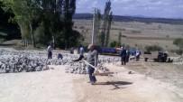 KAVAKLı - Köyde, İmece Usulü Yol Genişletme Çalışması