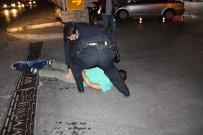 ERDEMIR - Alkollü Şahıs Polislerle Adeta Köşe Kapmaca Oynadı