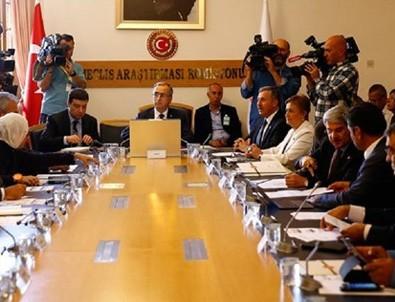 Darbe komisyonunda tartışma