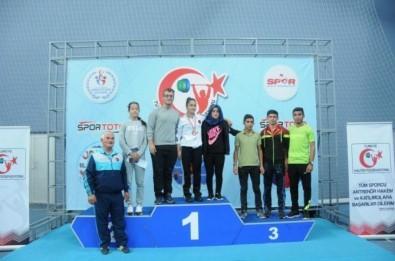 Gamze Kızıldağ Türkiye halter şampiyonu oldu