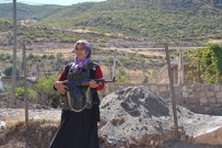 KÖY KORUCUSU - 5 Çocuk Annesi Kadın, 9 Yıldır Gönüllü Koruculuk Yapıyor