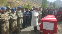 KÖY KORUCUSU - PKK'lı Teröristlerin Şehit Ettiği Korucu Toprağa Verildi