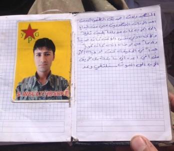 PKK'lı teröristin üzerinden çıktı!