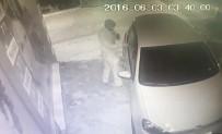 NAVIGASYON - 50 Saniyede Otomobilden Hırsızlık Kamerada