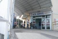 GIDA ZEHİRLENMESİ - 91 Öğrenci Gıda Zehirlenmesi Şüphesiyle Hastanelere Kaldırıldı