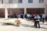İTFAİYE MÜDÜRÜ - Hastane Çalışanlarına Uygulamalı Yangın Tatbikatı