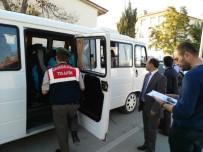 YANGIN TÜPÜ - Jandarma, Okul Servislerini Denetledi