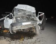 MİNİBÜS ŞOFÖRÜ - Muş'ta Trafik Kazası Açıklaması 2'Si Ağır 14 Yaralı