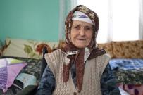 TEKERLEKLİ SANDALYE - Turgutlu Belediyesi Yaşlı Kadının Yüzünü Güldürdü