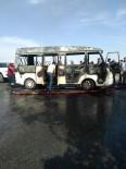 YOLCU MİNİBÜSÜ - Yolcu Minibüsü Alev Aldı